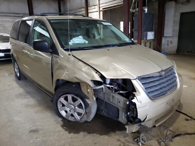 2A4RR2D17AR428581-2010-chrysler-minivan