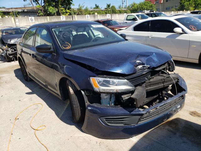 Salvage cars for sale from Copart Opa Locka, FL: 2014 Volkswagen Jetta Base