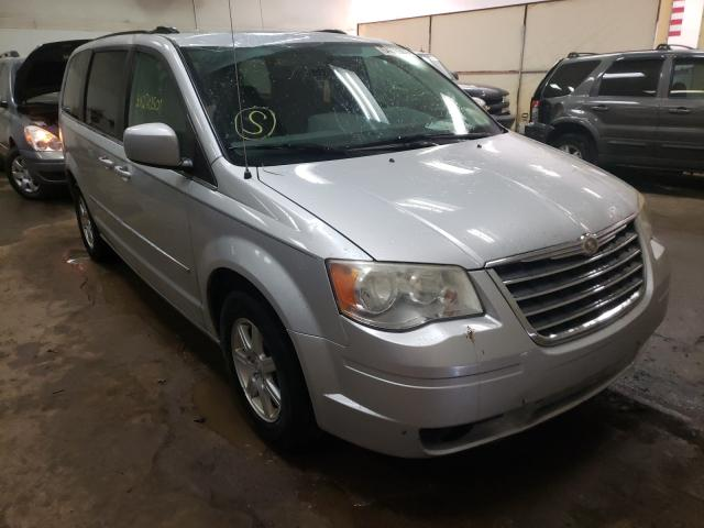 Salvage cars for sale from Copart Davison, MI: 2010 Chrysler Town & Country