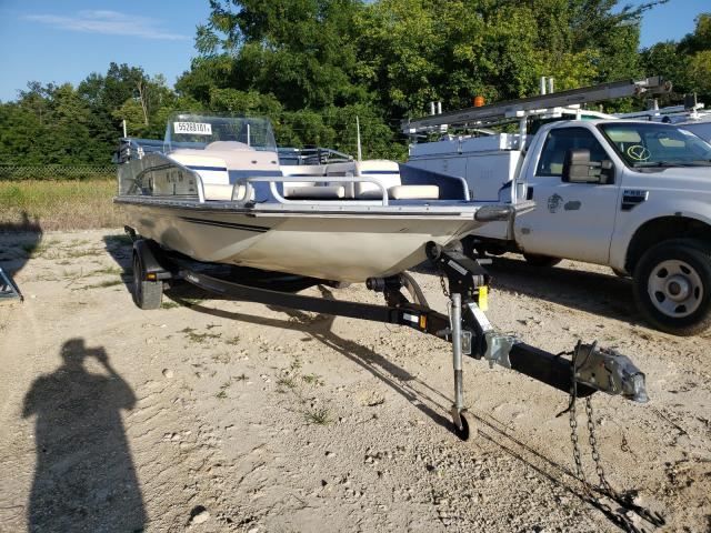 Salvage boats for sale at Columbia, MO auction: 1998 Lowe Boat