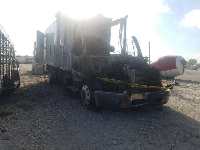 Salvage trucks for sale at New Braunfels, TX auction: 2007 Freightliner M2 106 MED