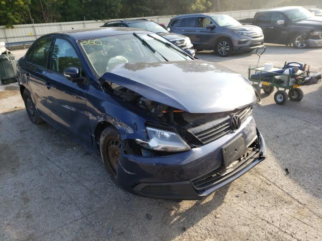 Salvage cars for sale from Copart Ellwood City, PA: 2014 Volkswagen Jetta SE