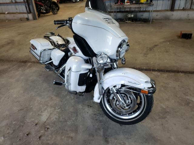 Salvage motorcycles for sale at Candia, NH auction: 2007 Harley-Davidson Flhtcui