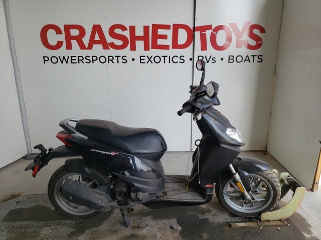 ZD4SBC00594001093-2009-aprilia-scooter