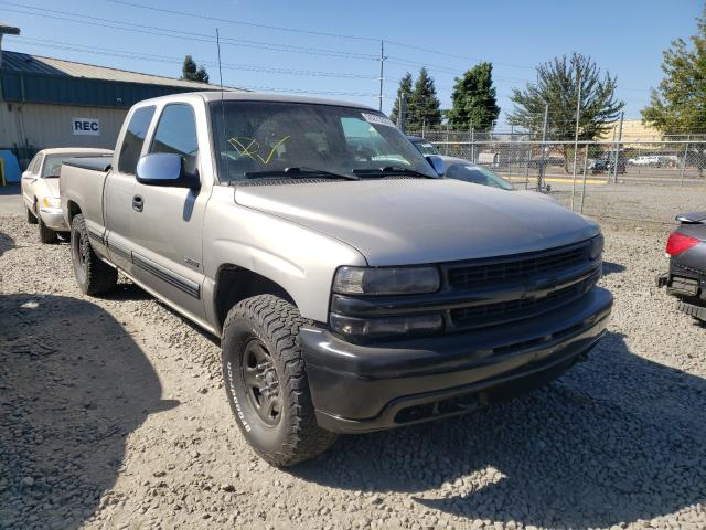 Salvage cars for sale from Copart Eugene, OR: 2002 Chevrolet Silverado