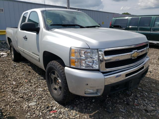 Salvage cars for sale at Cudahy, WI auction: 2011 Chevrolet Silverado