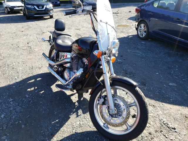 Salvage cars for sale from Copart Waldorf, MD: 1998 Honda VT1100 C