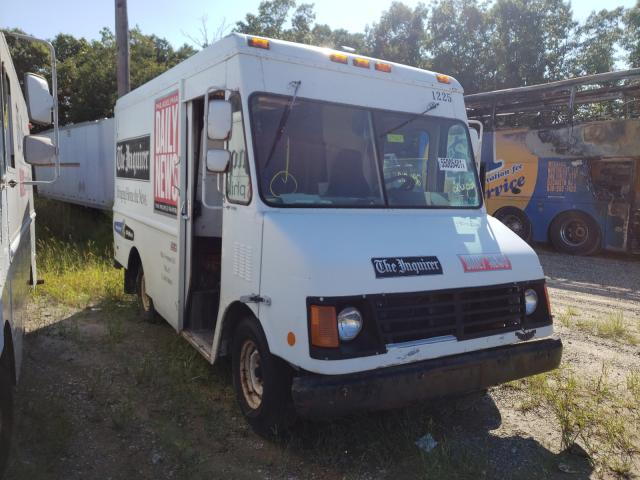 Salvage cars for sale from Copart Glassboro, NJ: 2003 Workhorse Custom Chassis Forward CO
