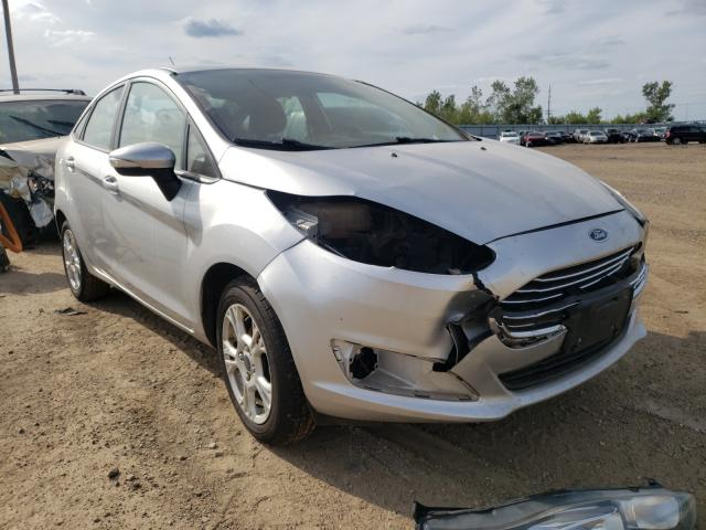 Salvage cars for sale from Copart Pekin, IL: 2015 Ford Fiesta SE
