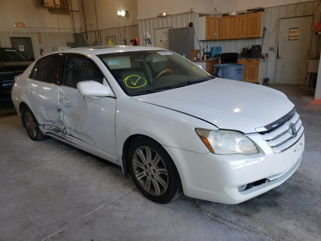 Salvage cars for sale from Copart Columbia, MO: 2006 Toyota Avalon XL