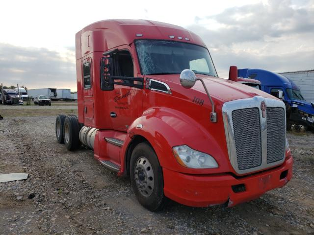 Salvage trucks for sale at Sikeston, MO auction: 2015 Kenworth Construction