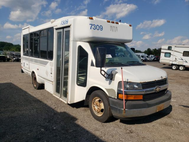 Salvage trucks for sale at Columbia Station, OH auction: 2009 Chevrolet Express G3