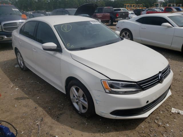 Salvage cars for sale from Copart Greenwell Springs, LA: 2013 Volkswagen Jetta TDI