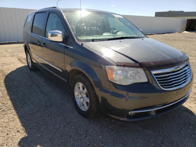 Vehiculos salvage en venta de Copart Bismarck, ND: 2011 Chrysler Town & Country