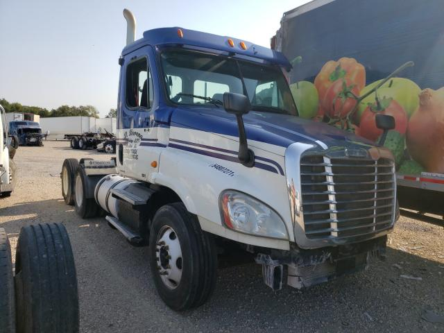 Salvage cars for sale from Copart Wilmer, TX: 2012 Freightliner Cascadia 1