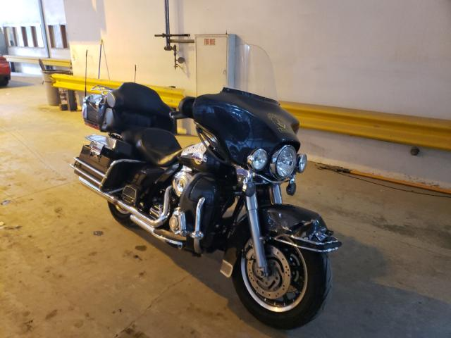 Salvage motorcycles for sale at Graham, WA auction: 2007 Harley-Davidson Flhtcui