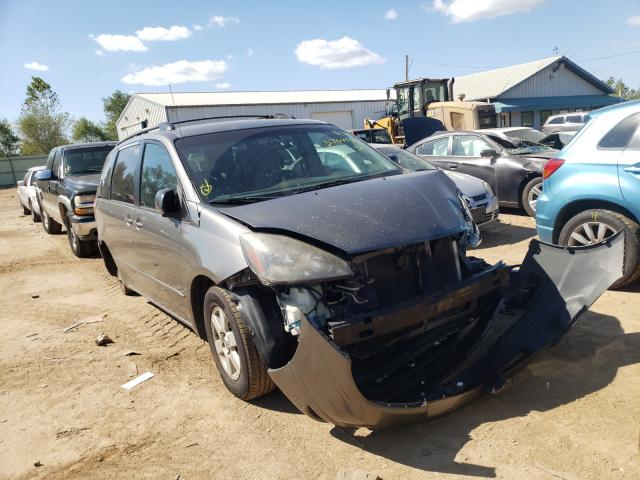 Salvage cars for sale from Copart Pekin, IL: 2004 Toyota Sienna