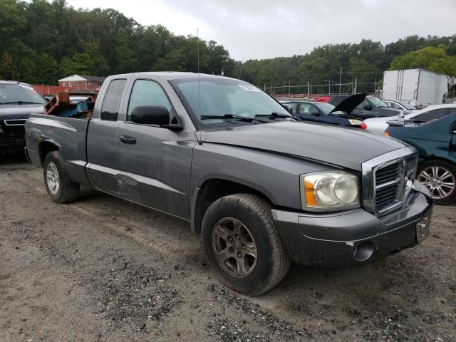 Salvage trucks for sale at Finksburg, MD auction: 2006 Dodge Dakota SLT