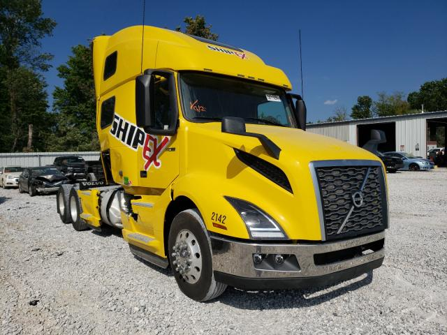 Salvage trucks for sale at Rogersville, MO auction: 2020 Volvo VN VNL