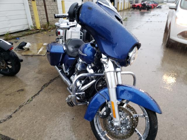 Salvage motorcycles for sale at Woodhaven, MI auction: 2017 Harley-Davidson Flhx Street