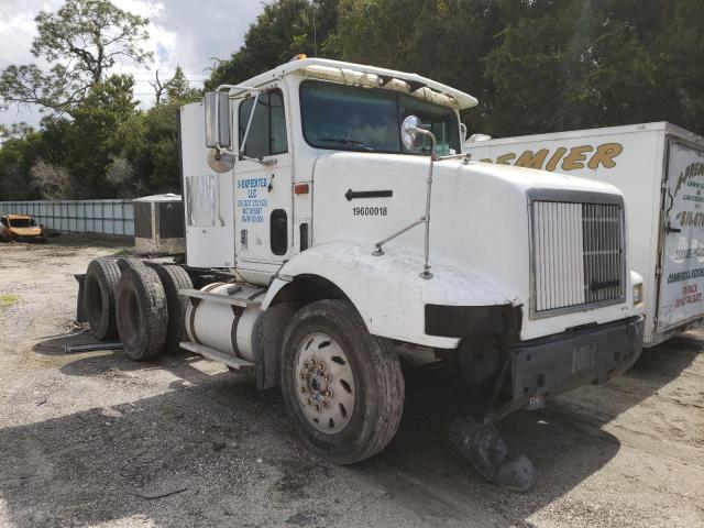 International Vehiculos salvage en venta: 1996 International 9200