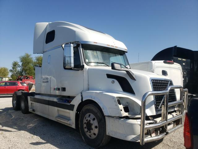 Volvo salvage cars for sale: 2004 Volvo VN VNL