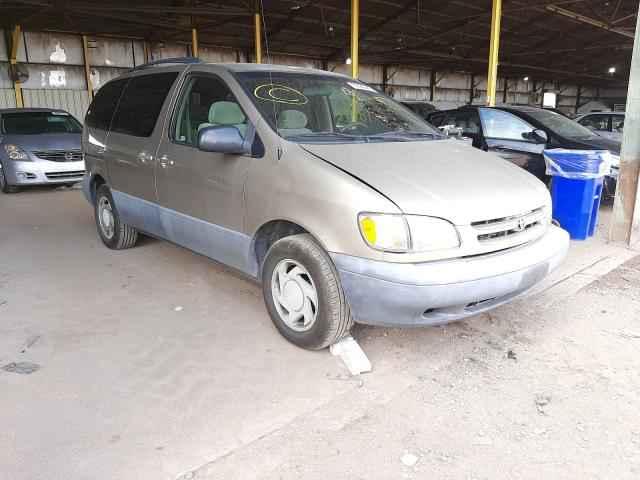 Salvage cars for sale from Copart Phoenix, AZ: 2000 Toyota Sienna LE