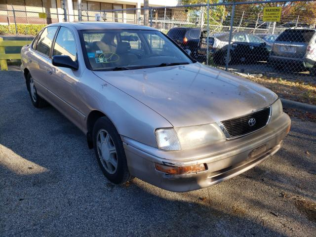 Salvage cars for sale from Copart Wheeling, IL: 1996 Toyota Avalon XL