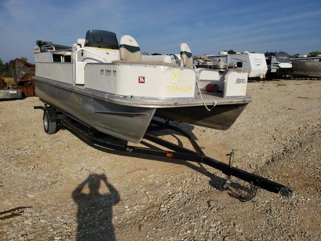 Salvage boats for sale at Columbia, MO auction: 2005 G3 Boat