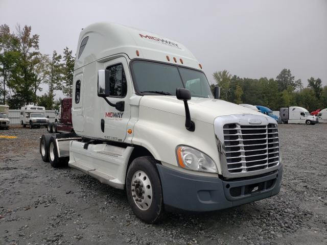 Salvage cars for sale from Copart Spartanburg, SC: 2019 Freightliner Cascadia 1
