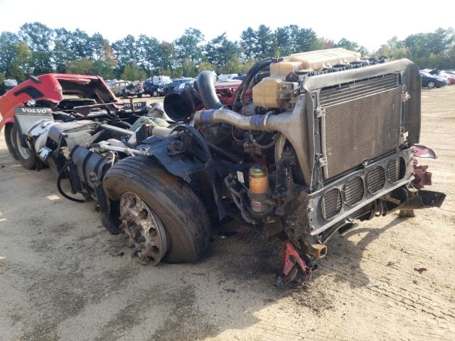 Salvage cars for sale from Copart Lyman, ME: 2016 Volvo VN VNL