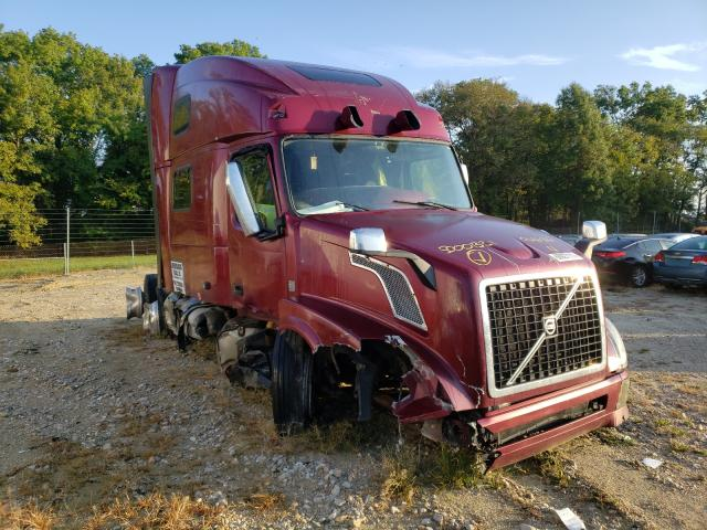 Salvage trucks for sale at Columbia, MO auction: 2016 Volvo VNL