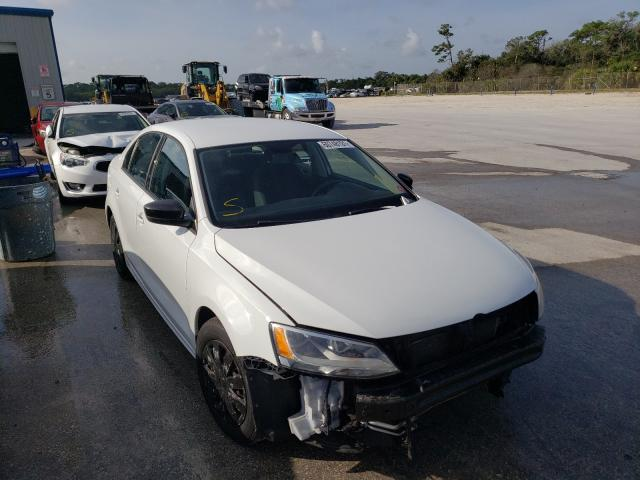 Salvage cars for sale from Copart Fort Pierce, FL: 2015 Volkswagen Jetta Base
