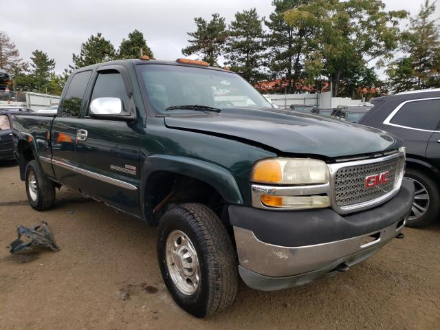Salvage cars for sale from Copart New Britain, CT: 2001 GMC Sierra K25