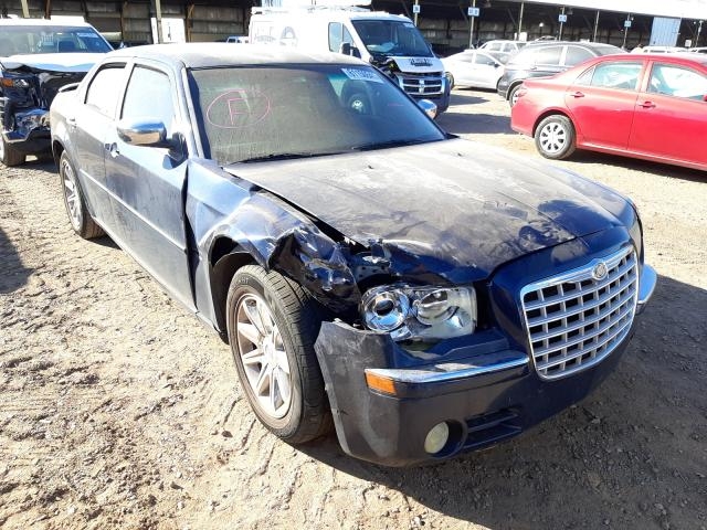 Salvage cars for sale from Copart Phoenix, AZ: 2005 Chrysler 300C