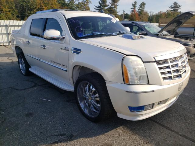 Salvage cars for sale from Copart Exeter, RI: 2008 Cadillac Escalade E