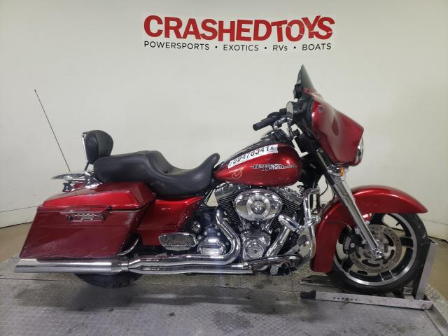 Salvage motorcycles for sale at Dallas, TX auction: 2013 Harley-Davidson Flhx Street